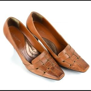 Kenneth Cole Reaction Tan Woven Leather Pumps